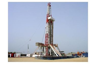 China Hydraulic Rotary Oil Drilling Rig Machine For Oilfield , Onshore Drilling Rig supplier